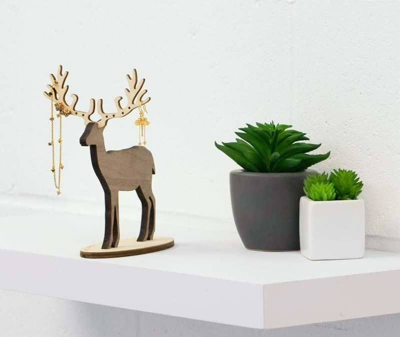 Gift Suggestion – Deer Jewellery Stands