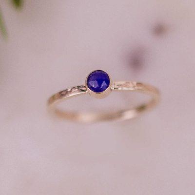 rose cut sapphire gold ring